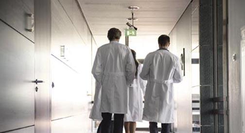 Austrumu un Stradiņa slimnīcās kopumā vakanti 389 amati