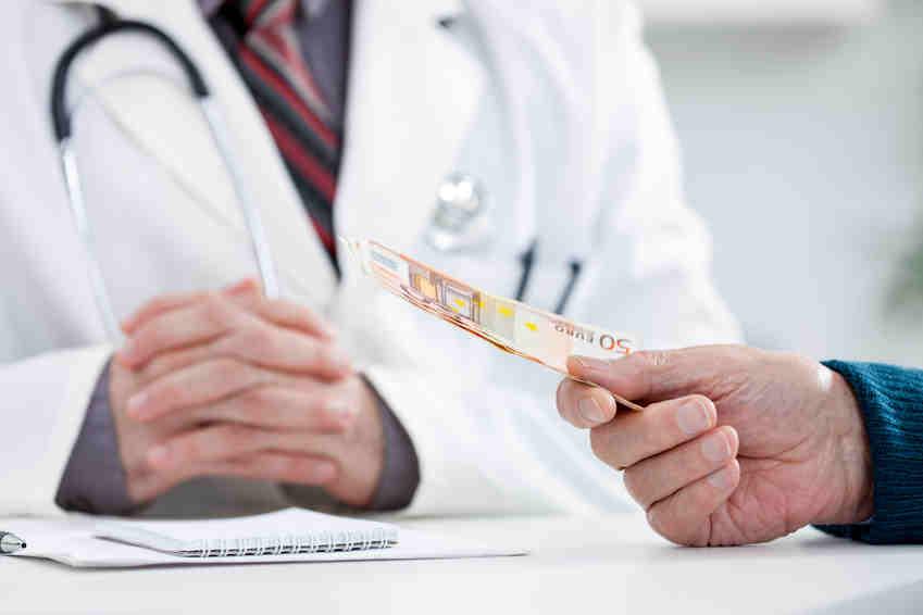 NVD vērsušies iedzīvotāji, kuri vēlas atgūt veselības aprūpei iemaksāto naudu