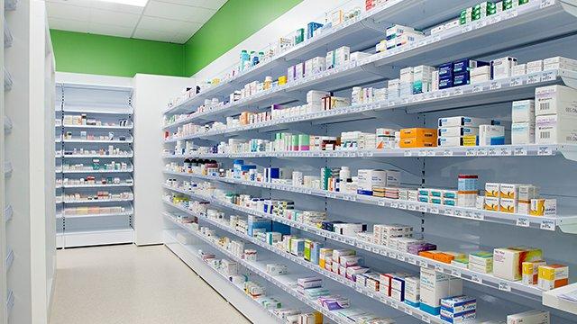 Aptieku īpašnieki noraida Veselības ministrijas bažas par aptieku monopola izplatību Latvijā