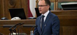 Deputāti aicina ministriju rīkoties, lai ierobežotu nesamērīgu medikamentu dārdzību