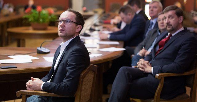 Komisija konceptuāli atbalsta Farmācijas likuma izmaiņas saistībā ar VM padotības iestāžu reorganizāciju