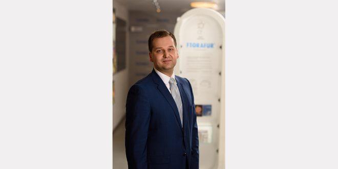 """Par """"Grindeks"""" valdes priekšsēdētāju kļuvis Juris Hmeļņickis"""
