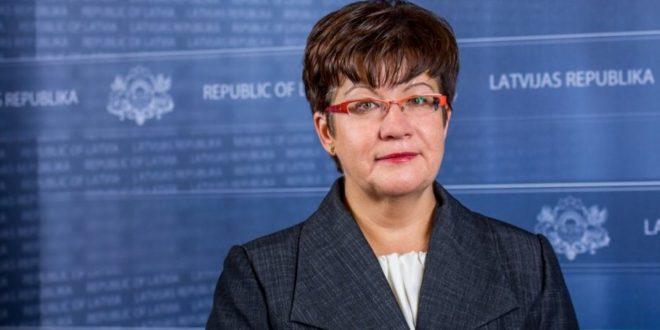Veselības ministrijas valsts sekretāres amatā apstiprina Indru Dreiku