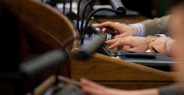 Saeima groza Farmācijas likumu saistībā ar VM padotības iestāžu reorganizāciju