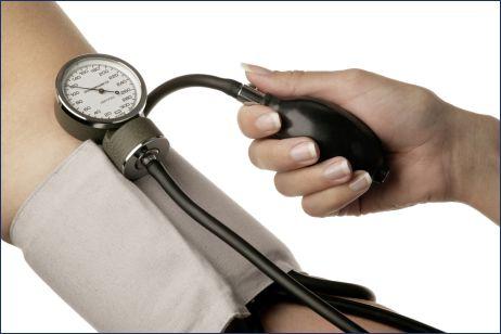 Maijā gandrīz 200 aptiekās bez maksas varēs izmērīt asinsspiedienu