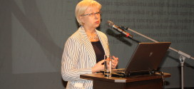 """LFB prezidente Kitija Blumfelde intervijā """"Latvijas Vēstnesim"""" – par aptieku pakalpojumiem, lojalitātes kartēm un biedrības mērķiem"""