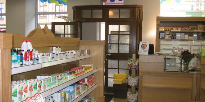 Tiesa atceļ ierobežojumu apvienoties konkrētām aptiekām