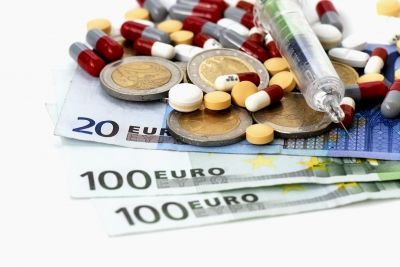 Ar kompensējamo zāļu cenu ierobežošanu grib izkustināt ilgstoši nemainīgās zāļu cenas