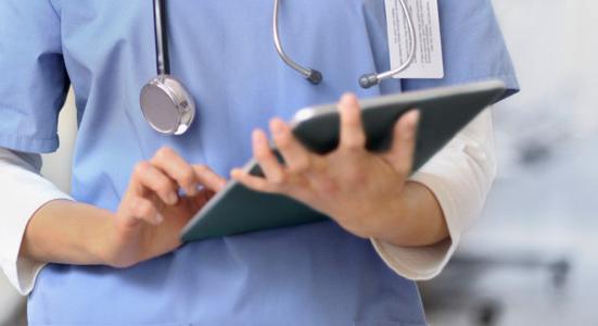 Valdība neatbalsta divu pakalpojumu grozu sistēmas ieviešanu veselības aprūpē