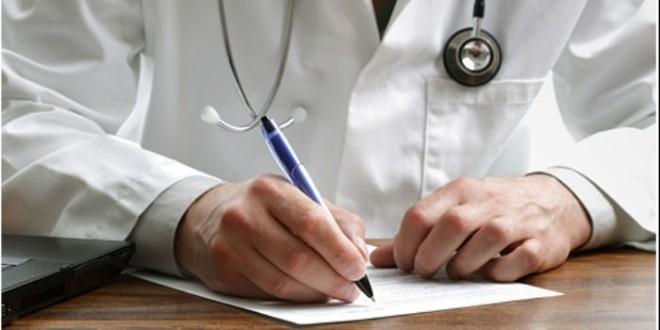 Aicina ārstus, izrakstot e-recepti, papildus izsniegt ārsta parakstītu izdruku