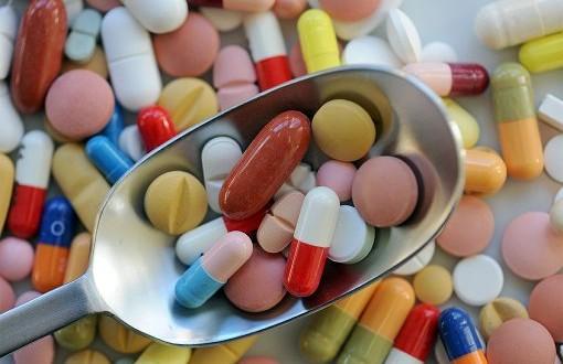Pērn zāļu blakusparādību ziņojumu skaits Latvijā palielinājies par 72,5%
